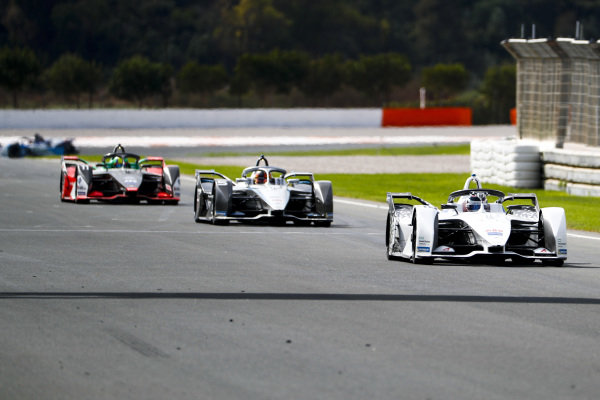 Edoardo Mortara (CHE) Venturi, EQ Silver Arrow 01 leads Stoffel Vandoorne (BEL), Mercedes Benz EQ Formula, EQ Silver Arrow 01 and Lucas Di Grassi (BRA), Audi Sport ABT Schaeffler, Audi e-tron FE06