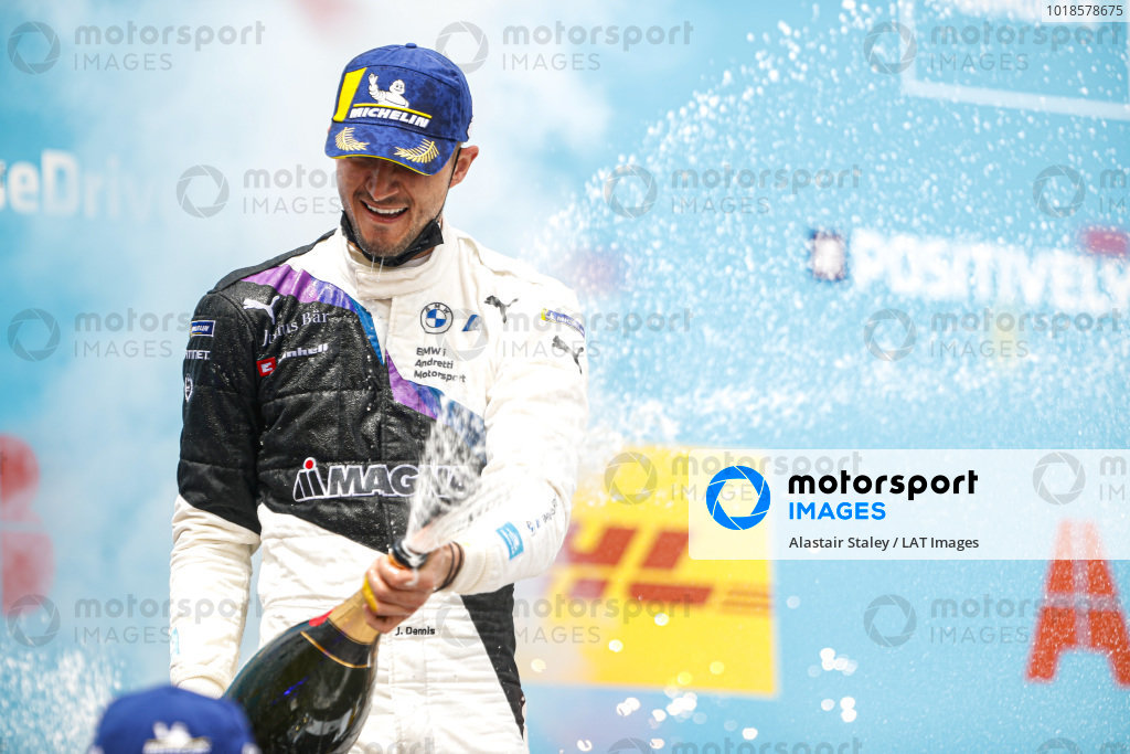 Jake Dennis (GBR), BMW I Andretti Motorsport, 1st position, sprays the victory Champagne