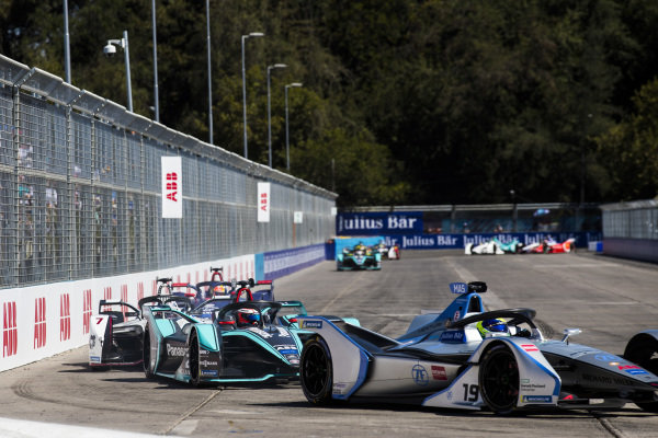 Felipe Massa (BRA), Venturi Formula E, Venturi VFE05 leadsMitch Evans (NZL), Panasonic Jaguar Racing, Jaguar I-Type 3 and Jose Maria Lopez (ARG), GEOX Dragon Racing, Penske EV-3