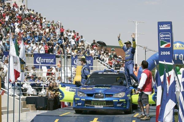 2006 FIA World Rally Champs. Round Three; Rally Mexico.; 2nd - 5th March 2006.Petter Solberg, Subaru, podium. World Copyright: LAT/McKlein