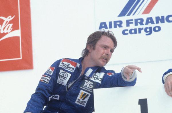 1982 Brazilian Grand Prix.Rio de Janeiro, Brazil. 21 March 1982.Keke Rosberg (Williams) on the podium.World Copyright: LAT Photographicref: 35mm Transparency Image