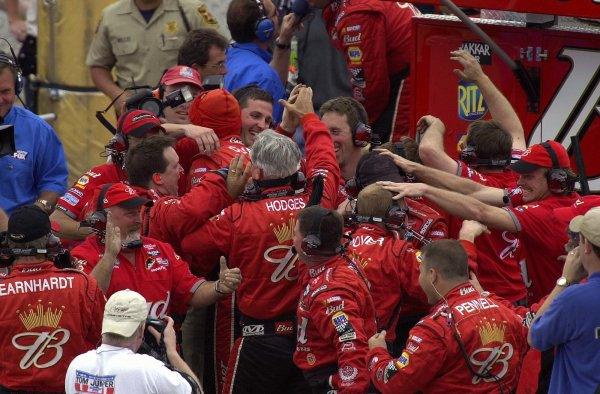 NASCAR Winston Cup Aaron's 499, Talladega Superspeedway, Talladega,Alabama, USA 6 April,2003The crew of Dale Earnhardt, Jr. celebrates victory.-Lori M. Spitler/LAT Photographic 2003