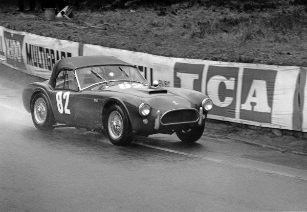 Le Mans, France. 18th - 19th April 1964.Jean de Mortemart (A C. Cobra), 22nd position, action. World Copyright: LAT Photographic.Ref:  864 - 10.
