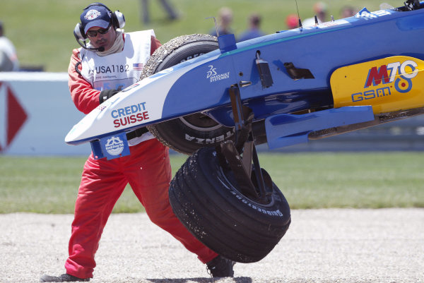 2004 United States Grand Prix - Sunday Race,2004 United States Grand PrixIndianapolis, USA. 20th June 2004 Felipe Massa's Sauber Petronas C23 is lifted away following his first corner accident.World Copyright: Steve Etherington/LAT Photographic ref: Digital Image Only