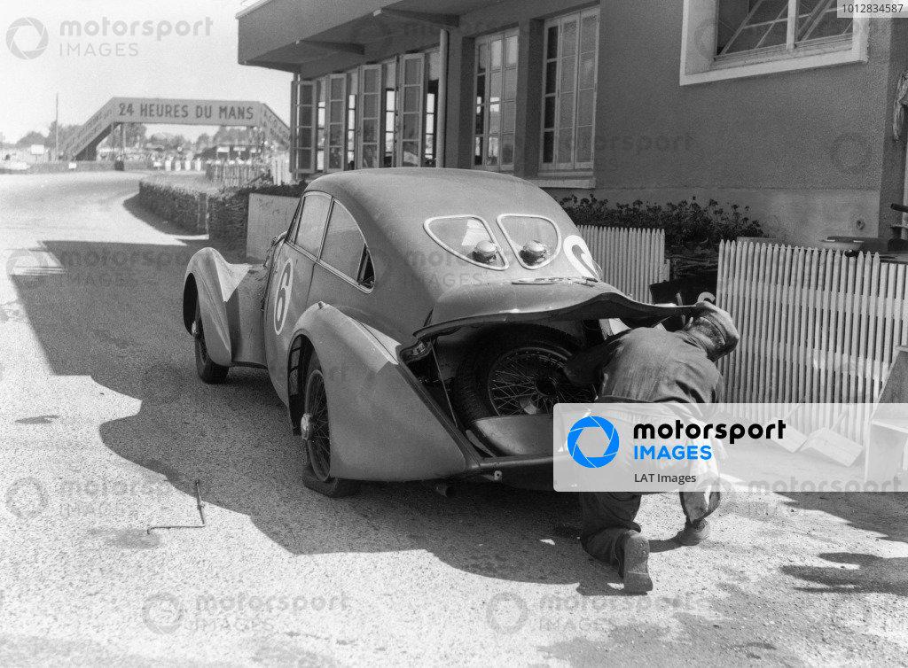 1949 Le Mans 24 Hours.