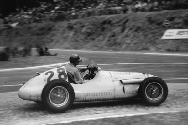1952 French Grand Prix.Rouen-les-Essarts, France. 6 July 1952.Philippe Etancelin (Escuderia Bandeirantes Maserati A6GCM), 8th position. Ref-52/29 #30.World Copyright - LAT Photographic