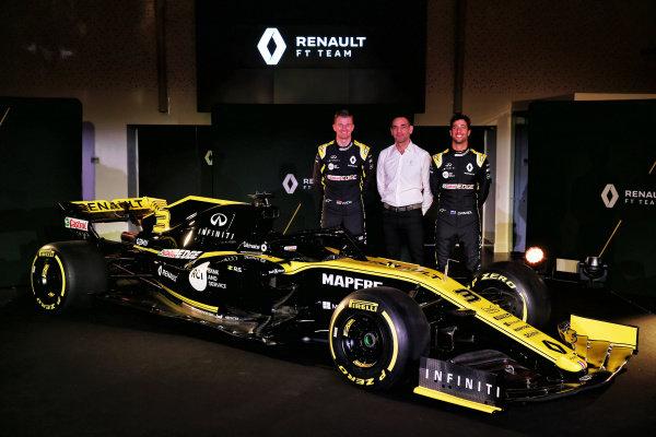 (L to R): Nico Hulkenberg, Renault Sport F1 Team, Cyril Abiteboul, Renault Sport F1 Managing Director and Daniel Ricciardo, Renault Sport F1 Team with the new Renault Sport F1 Team R.S. 19