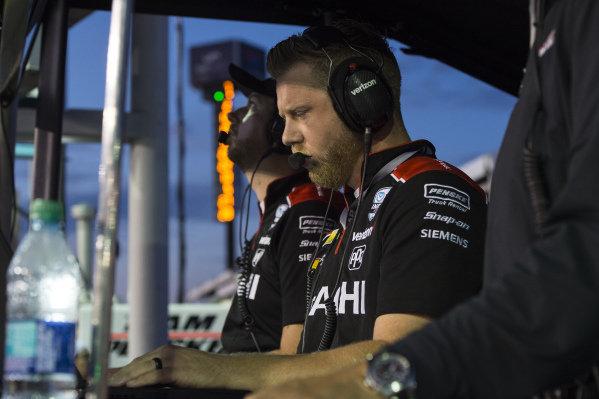 Josef Newgarden crewman, Team Penske Chevrolet