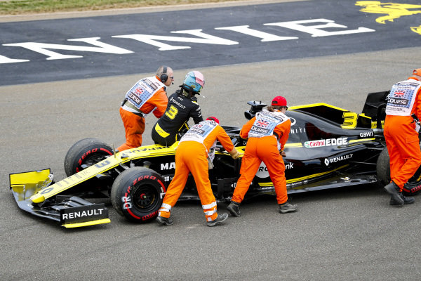 Daniel Ricciardo, Renault R.S.19 being pushed by marshals after stopping on track