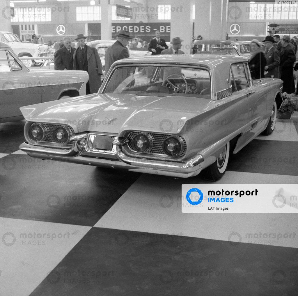 Ford Thunderbird (second generation).