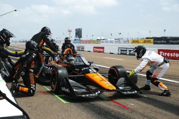 #5: Pit Stop, Pato O'Ward, Arrow McLaren SP Chevrolet
