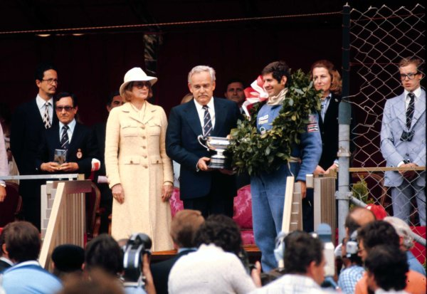 1977 Monaco Grand Prix. Monte Carlo, Monaco. 20-22 May 1977. Jody Scheckter (Wolf WR1 Ford) with HSH Prince Rainier and Princess Grace after finishing in 1st position. World Copyright - LAT Photographic Ref: 77MON38