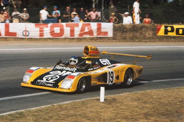 Le Mans, France. 12 - 13 June 1976 Jean-Pierre Jabouille/Patrick Tambay (Alpine Renault A442), retired, action. World Copyright: LAT PhotographicRef: 76LM30.