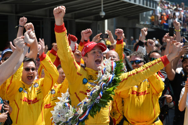 Indy 500 winner Ryan Hunter-Reay (USA) Andretti Autosport celebrates with his team in victory lane. Verizon IndyCar Series, Rd4, Indianapolis 500, Indianapolis, USA, Sunday 25 May 2014.