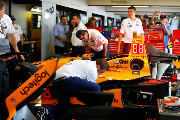 Verizon IndyCar Series Indianapolis 500 Race Indianapolis Motor Speedway, Indianapolis, IN USA Sunday 28 May 2017 The car of Fernando Alonso, McLaren-Honda-Andretti Honda, is prepared. World Copyright: Steven Tee/LAT Images ref: Digital Image _R3I7276