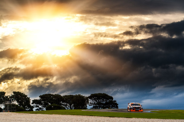 2017 Supercars Championship Round 3.  Phillip Island 500, Phillip Island, Victoria, Australia. Friday 21st April to Sunday 23rd April 2017. James Courtney drives the #22 Mobil 1 HSV Racing Holden Commodore VF. World Copyright: Daniel Kalisz/LAT Images Ref: Digital Image 210417_VASCR3_DKIMG_1821.JPG