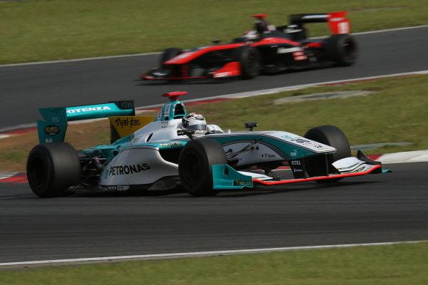 2014 Super Formula Series. Fuji, Japan. 17th - 18th May 2014. Rd 2. Race 2 - Winner Andre Lotterer ( #36 PETRONAS TOM'S SF14 ) action World Copyright: Yasushi Ishihara / LAT Photographic. Ref: 2014SF_Rd2_017.JPG