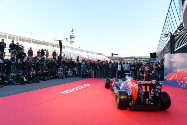 Scuderia Toro Rosso STR9 Launch and photographers. Scuderia Toro Rosso STR9 Launch, Jerez, Spain, Monday 27 January 2014.