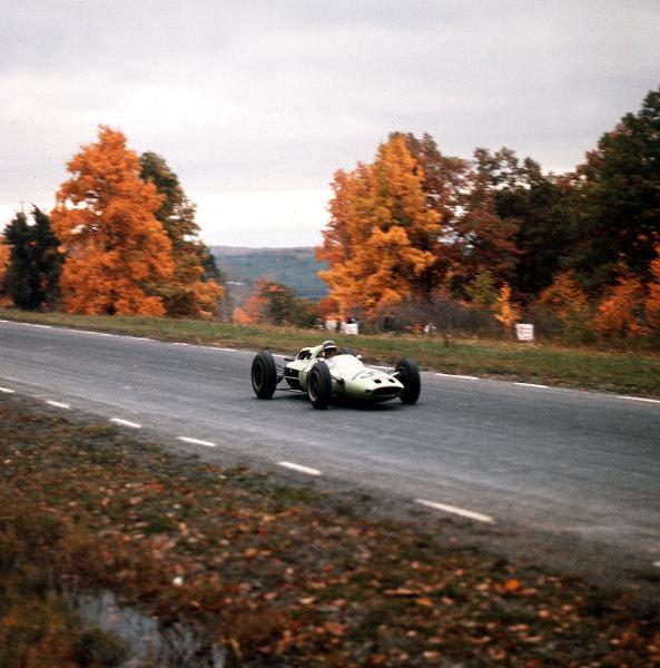 Watkins Glen, New York, USA.5-7 October 1962.Innes Ireland (Lotus 24 Climax).Ref-3/0683.World Copyright - LAT Photographic