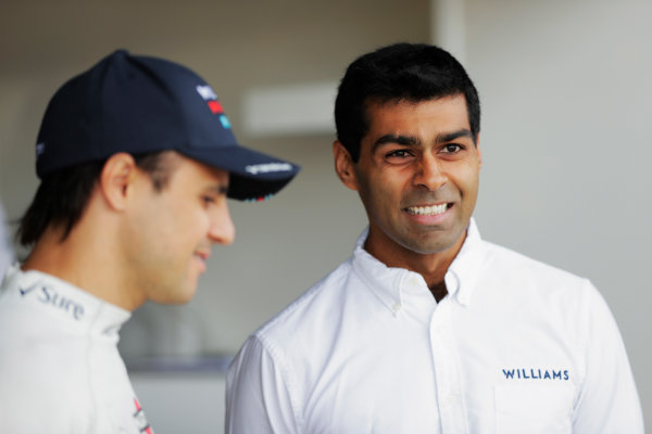 Williams 40 Event Silverstone, Northants, UK Friday 2 June 2017. Felipe Massa, Williams Martini Racing, with Karun Chandhok. World Copyright: Zak Mauger/LAT Images ref: Digital Image _54I0166