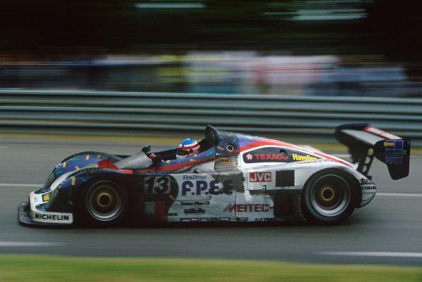 Le Mans, France. 17th - 18th June 1995. Bob Wollek/Mario Andretti/Eric Helary (Courage C34 Porsche), 2nd position, action. World Copyright: LAT Photographic.Ref:  95LM13.