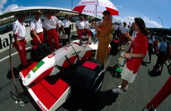 Aguri Suzuki (JPN) Footwork Mugen-Honda FA14.