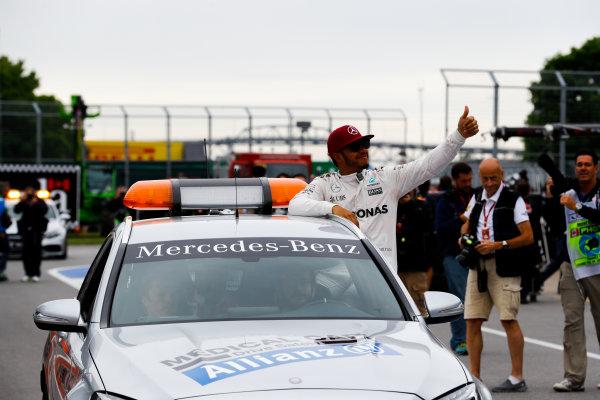 Circuit Gilles Villeneuve, Montreal, Canada. Saturday 11 June 2016. Pole man Lewis Hamilton, Mercedes AMG, in the Medical Car. World Copyright: Steven Tee/LAT Photographic ref: Digital Image _H7I5040