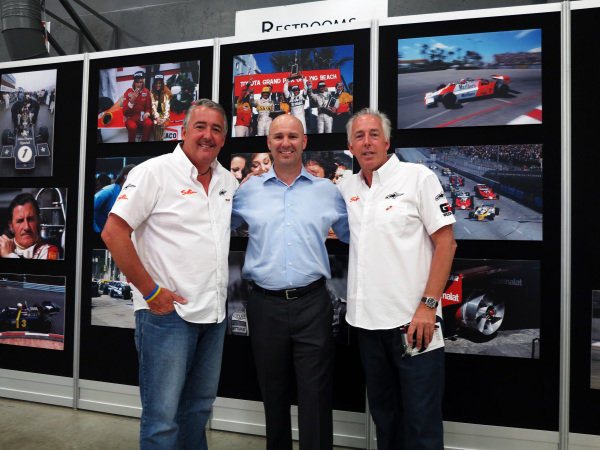 (L to R): Mark Sutton (GBR) F1 Photographer, Bruce Knox, Executive Vice President, Circuit of The Americas, and Keith Sutton (GBR), F1 Photographer. Formula One Expo, Austin, Texas, 15-17 June 2012.