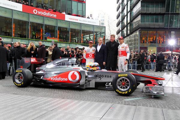 (L to R): Lewis Hamilton (GBR) McLaren, Martin Whitmarsh (GBR) McLaren Chief Executive Officer, Fritz Joussen (GER) CEO Vodafone Germany and Jenson Button (GBR) McLaren. McLaren MP4-26 Launch, Kaisersaal, Berlin, Germany, 4 February 2011.