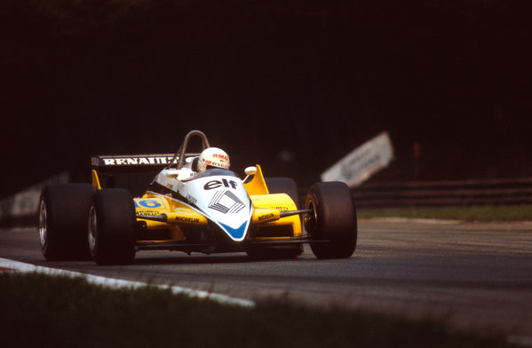Monza, Italy.10-12 September 1982.Rene Arnoux (Renault RE30B) 1st position.Ref-82 ITA 09.World Copyright - LAT Photographic