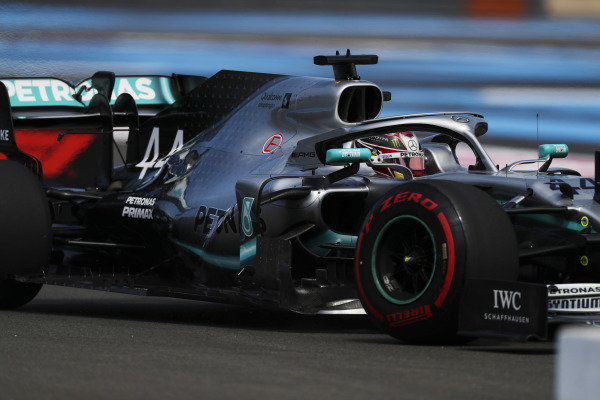 Lewis Hamilton, Mercedes AMG F1 W10, rejoins the circuit