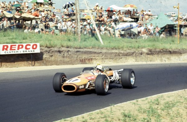 1968 South African Grand Prix.Kyalami, South Africa.30/12/67-1/1/1968.John Love (Brabham BT20 Repco) 9th position.Ref-68 SA 08.World Copyright - LAT Photographic
