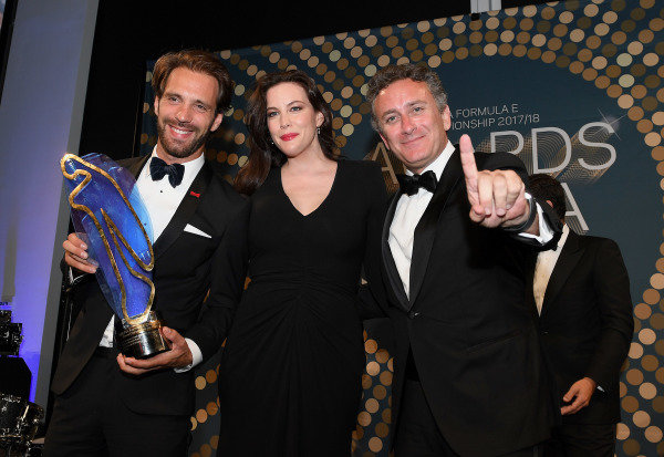 Jean-Eric Vergne (FRA), TECHEETAH, Renault Z.E. 17, with his championship trophy and actress Liv Tyler and Alejandro Agag, CEO, Formula E.