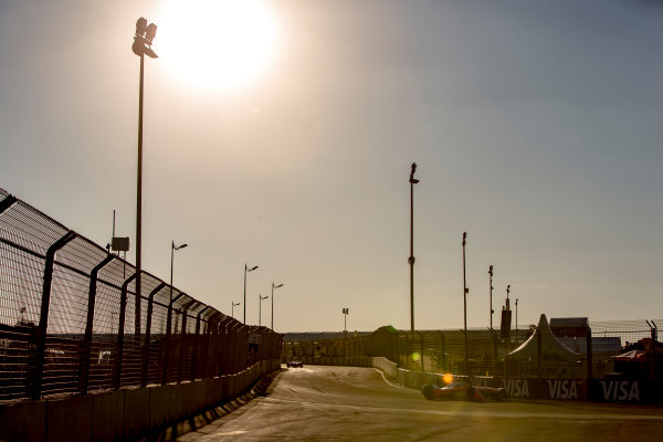 2016/2017 FIA Formula E Championship. Marrakesh ePrix, Circuit International Automobile Moulay El Hassan, Marrakesh, Morocco. Saturday 12 November 2016. Felix Rosenqvist (SWE), Mahindra Racing, Spark-Mahindra, Mahindra M3ELECTRO.  Photo: Zak Mauger/Jaguar Racing ref: Digital Image _L0U7515
