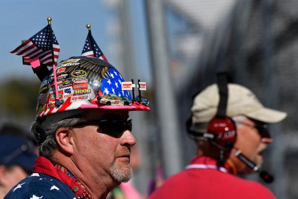 28-29 October, 2016, Martinsville, Virginia USA Dale Earnhardt Jr. race fan, atmosphere  ?2016, Scott R LePage  LAT Photo USA