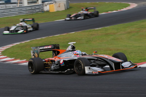 2016 Japanese Super Formula. Okayama, Japan.  Sunday 11 September 2016. Rd 5. Race2 Winner Yuji Kunimoto  ( #2 P.MU/CERUMO · INGING SF14 ) action World Copyright: Yasushi Ishihara/LAT Photographic Ref : 2016SF_Rd5_R2_006