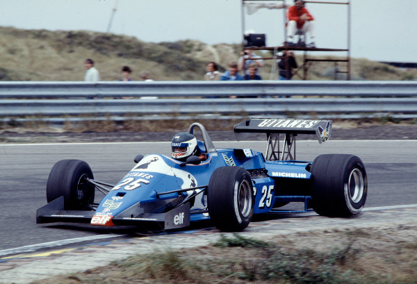 1983 Dutch Grand Prix.Zandvoort, Holland.26-28 August 1983.Jean-Pierre Jarier (Ligier JS21 Ford).Ref-83 HOL 36.World Copyright - LAT Photographic