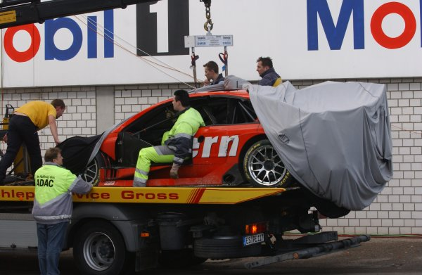 2005 DTM ChampionshipHockenheim, Germany. 21st - 23rd October 2005.Heinz Harald Frentzen's Opel Vectra GTS V8 is returned to the pits after his crash.World Copyright: Andre Irlmeier/LAT Photographicref: Digital Image Only