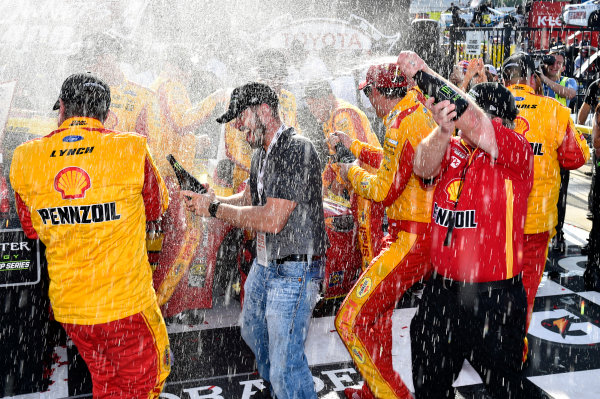 Monster Energy NASCAR Cup Series Toyota Owners 400 Richmond International Raceway, Richmond, VA USA Sunday 30 April 2017 Joey Logano, Team Penske, Shell Pennzoil Ford Fusion wins. World Copyright: Rusty Jarrett LAT Images ref: Digital Image 17RIC1rj_4448