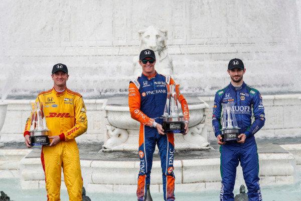 Ryan Hunter-Reay, Andretti Autosport Honda, Scott Dixon, Chip Ganassi Racing Honda, Alexander Rossi, Andretti Autosport Honda, podium