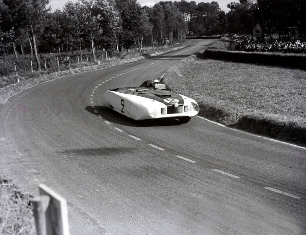 1950 Le Mans 24 hours.Le Mans, France. 24-25 June 1950.Briggs Cunningham/Phil Walters (Cadillac Spyder), 11th position.Ref-Motor 731/3.World Copyright - LAT Photographic