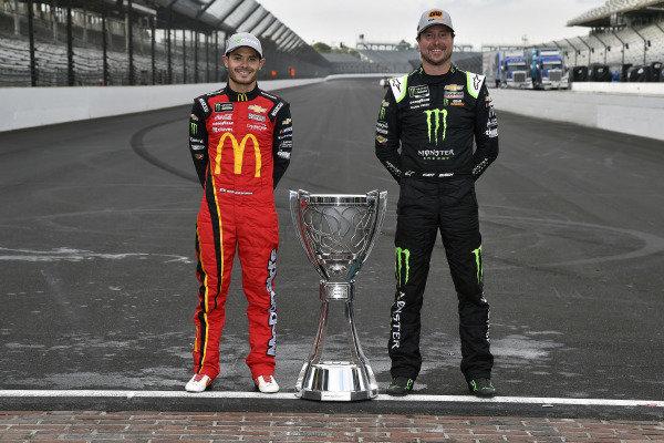 #42: Kyle Larson, Chip Ganassi Racing, Chevrolet Camaro McDonald's and #1: Kurt Busch, Chip Ganassi Racing, Chevrolet Camaro Monster Energy