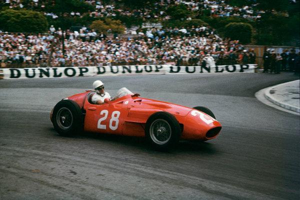 Monte Carlo, Monaco. 10th - 13th May 1956. Stirling Moss (Maserati 250F) 1st position, action. World Copyright: LAT PhotographicRef: 56 MON 02.