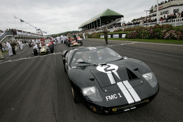 2007 Goodwood Revival Meeting.  Goodwood, West Sussex. 1st - 2nd September 2007.  Atmosphere. Jackie Ickx in a Ford GT40. World Copyright: Gary Hawkins/LAT Photographic  ref: Digital Image Only