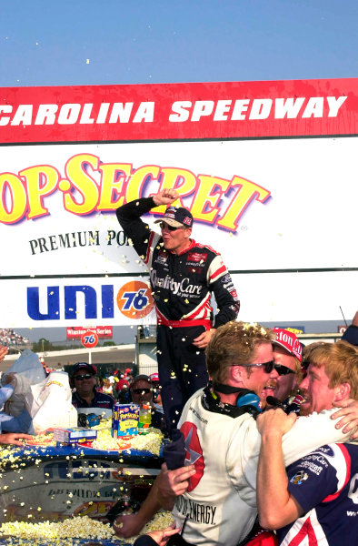 2000 NASCAR Winston Cup. North Carolina Speedway, Rockingham, NC, USA. 20th - 22nd October 2000. Rd 31. Dale Jarrett  (Quality Care / Ford Credit  Ford), 1st position,  podium, portrait.  World Copyright: Robt LeSieur / LAT Photographic.