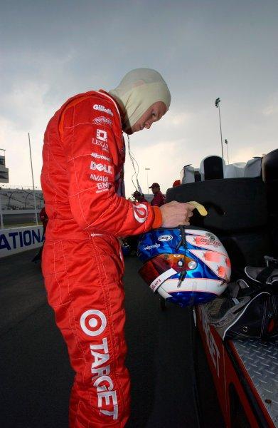 IRL IndyCar Suntrust Indy Challenge at Richmond International Raceway, Richmond,VA,USA 28 June,2003Scott Dixon suits up for qualifying.World Copyright-F Peirce Williams 2003 LAT Photographicref: Digital Image Only