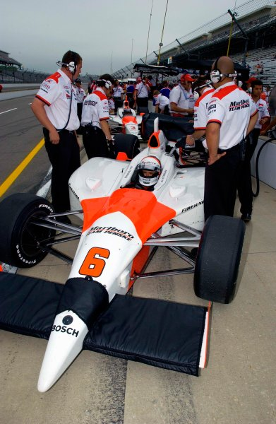 Pole Weekend for the 87th Indianapolis 500, Indianapolis Motor Speedway, Speedway, Indiana, USA 25 May,2003The team Penske cars (#6-deFerran-front) wait to be refueled during practice.World Copyright-F Peirce Williams 2003 LAT Photographicref: Digital Image Only