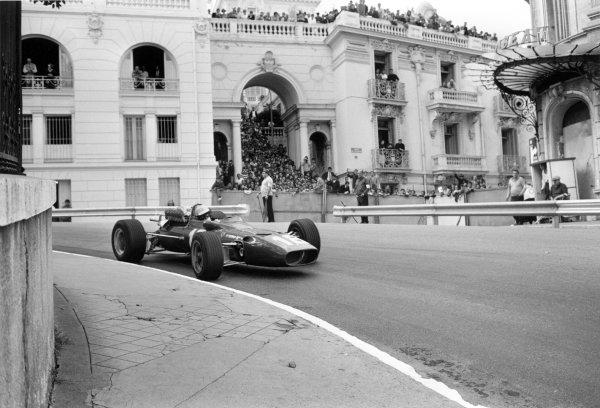 1967 Monaco Grand Prix.Monte Carlo, Monaco. 7 May 1967.Lorenzo Bandini, Ferrari 312, fatal accident, action.World Copyright: LAT PhotographicRef: L67/271#22a
