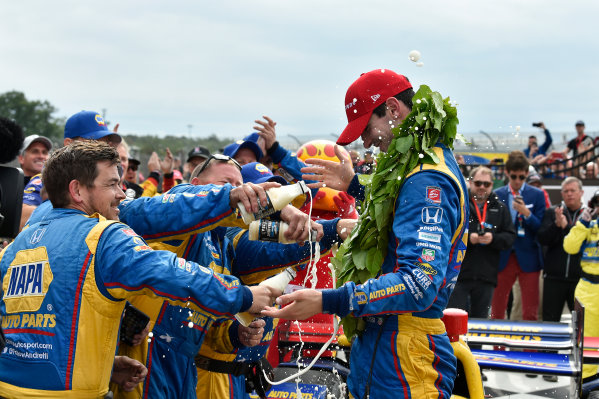 Verizon IndyCar Series IndyCar Grand Prix at the Glen Watkins Glen International, Watkins Glen, NY USA Sunday 3 September 2017 Alexander Rossi, Curb Andretti Herta Autosport with Curb-Agajanian Honda celebrates the win with team in victory lane. World Copyright: Scott R LePage LAT Images ref: Digital Image lepage-170903-wg-7856