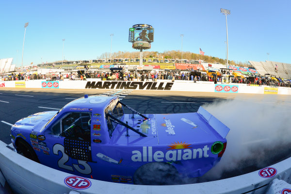 NASCAR Camping World Truck Series Alpha Energy Solutions 250 Martinsville Speedway, Martinsville, VA USA Saturday 1 April 2017 Chase Elliott celebrates with a burnout World Copyright: Logan Whitton/LAT Images ref: Digital Image 17MART1LW1885
